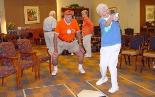Обязанности социального работника по уходу за престарелыми на дому