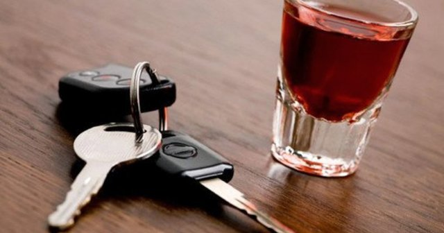 Сколько держится алкоголь: таблица вывода из крови напитков