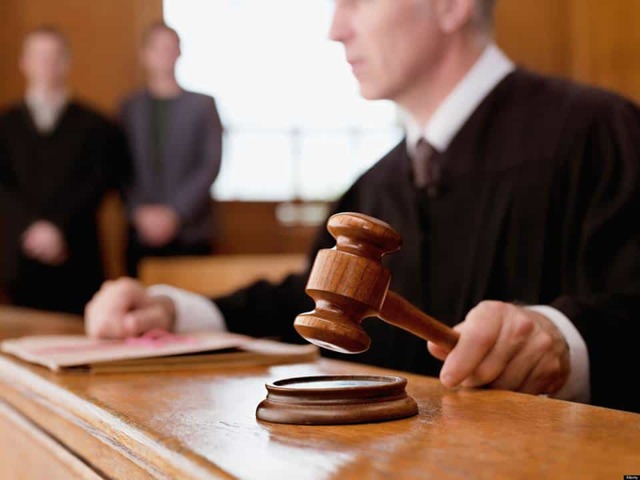 Имеет ли право банк звонить родным заемщика и в каких ситуациях