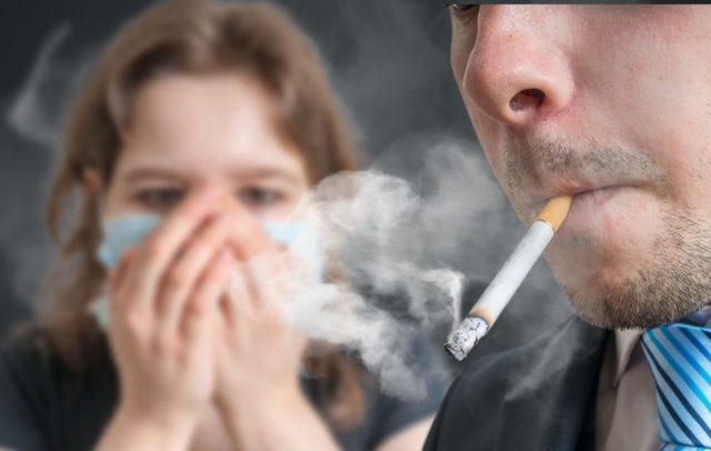 Соседи курят в квартире, а у нас воняет - куда жаловаться