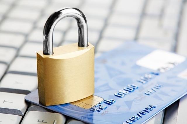 Могут ли приставы арестовать кредитную карту в 2020 году
