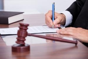 Прекращение уголовного дела в связи с примирением сторон