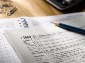 Налог на дарение квартиры: условия выплаты и особенности