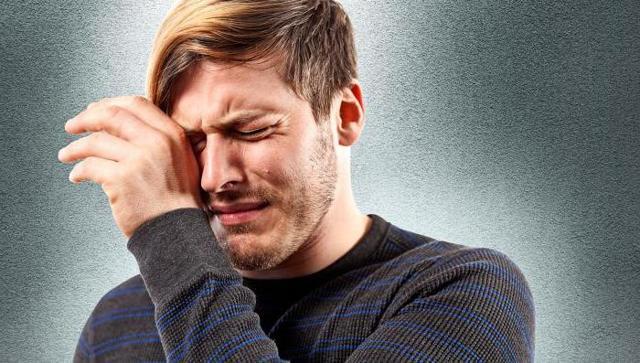 Что делать, если брызнули перцовым баллончиком в лицо
