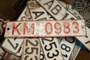 Законно ли подправлять номера машины маркером
