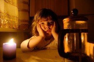 Ка поступить, если в квартире отключили свет - куда позвонить