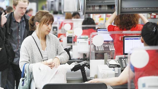 Какие схемы используют кассиры для обмана покупателей