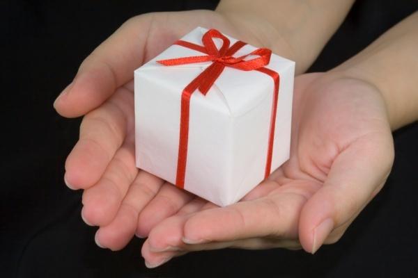 Что лучше договор дарения или купли продажи между родственниками