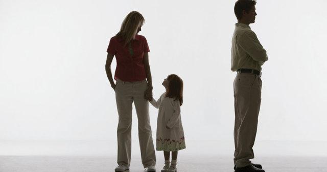 Обязан ли отец, лишенный родительских прав, платить алименты