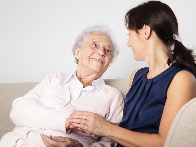 Медико-социальная помощь: разновидности услуг и способы получения