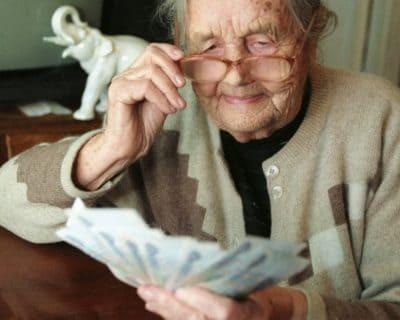 Льготы одиноким пенсионерам - основные категории начислений