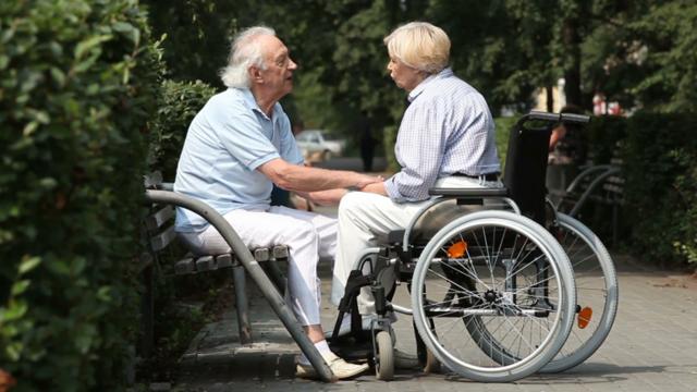 Можно ли получать пенсию по инвалидности и пенсию по старости