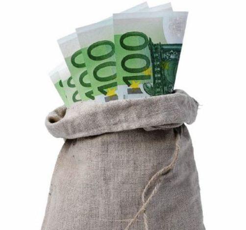 Зарплата инкассатора - главные нюансы занимаемой должности