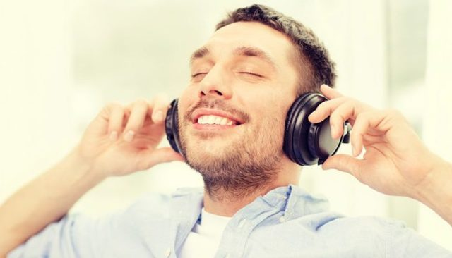 До скольки можно громко слушать музыку в квартире по закону РФ