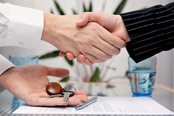 Как и зачем оформить договор аренды квартиры с обстановкой и техникой