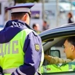 Зачем инспектор ГИБДД просит показать паспорт: в чем подвох