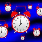 На какие виды подразделяется учет рабочего времени