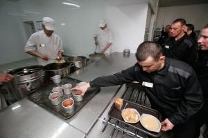 Чем кормят в российских тюрьмах: рассказ бывшего заключенного