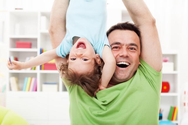 Какие права на ребенка имеет отец и как избежать уплаты алиментов