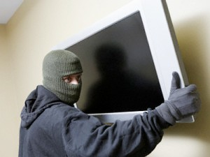 Чем отличается кража от грабежа и что грозит преступникам