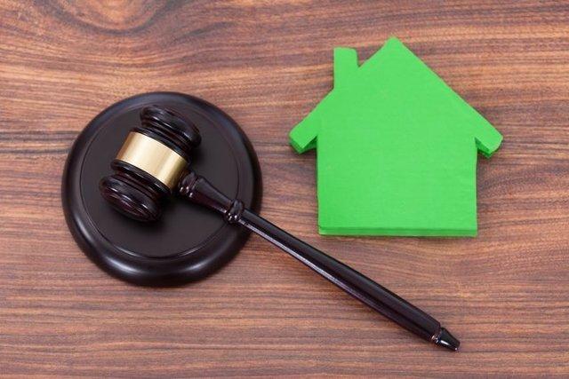 Наложение ареста на имущество приставами: основания и исключения, процедура, как узнать об аресте
