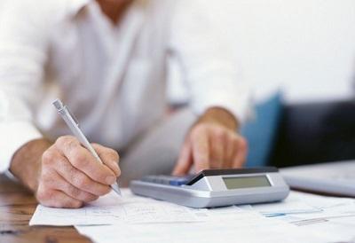 Берется ли подоходный налог с больничного листа и другие взносы