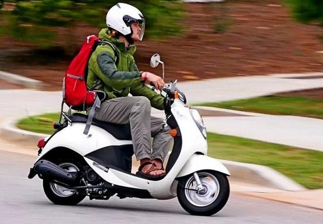 Со скольки лет можно ездить на мопеде, скутере, мотоцикле