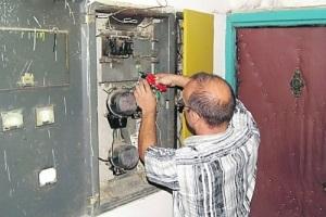 Установка электроэнергии в квартире: кто делает и сколько стоит