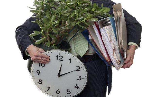 Увольнение пенсионера по собственному желанию без отработки 2 недель